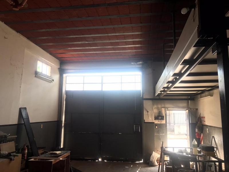 Foto Local en Alquiler en  San Miguel ,  G.B.A. Zona Norte  Junin al 1000