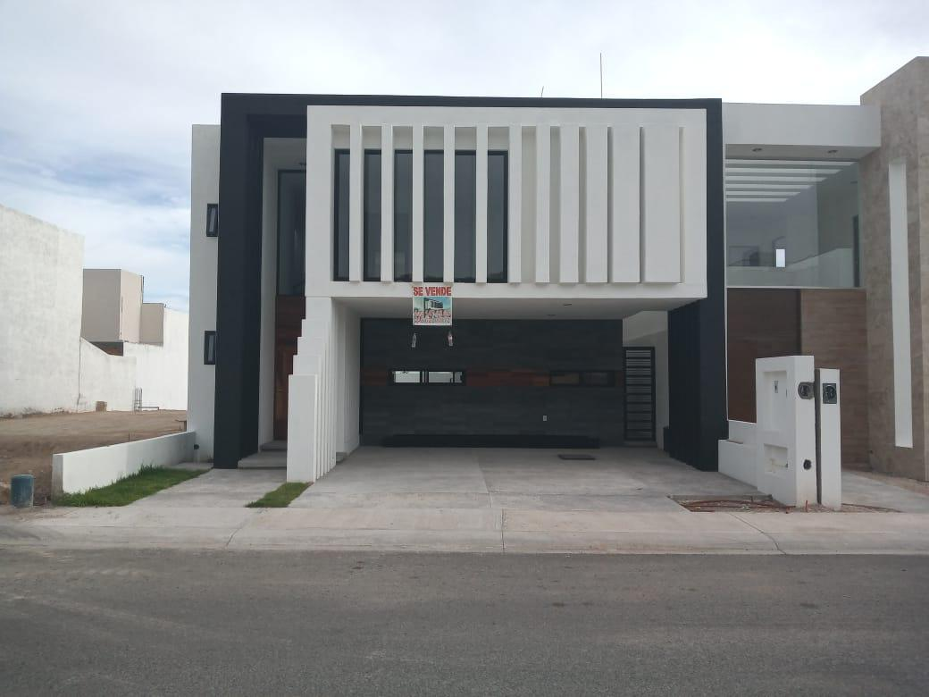 Foto Casa en Venta en  Lomas de Juriquilla,  Querétaro  VENTA CASA NUEVA FRACC. LOMAS DE JURIQUILLA QRO. MEX.
