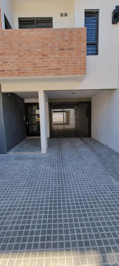 Foto Cochera en Venta en  General Paz,  Cordoba Capital  Deheza al 600