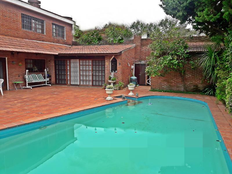 Foto Casa en Alquiler en  Carrasco ,  Montevideo  Excelente estado, 4 dorm, metros rambla