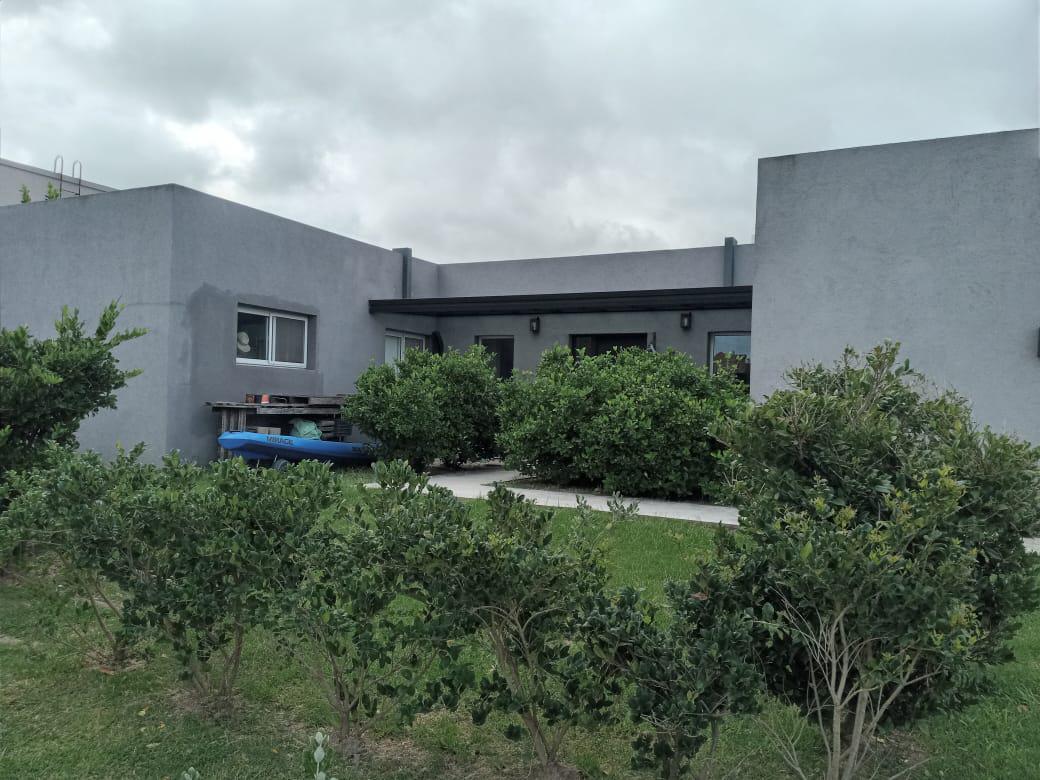 Foto Casa en Alquiler temporario en  Lagos Del Norte,  Don Torcuato  lagos del norte