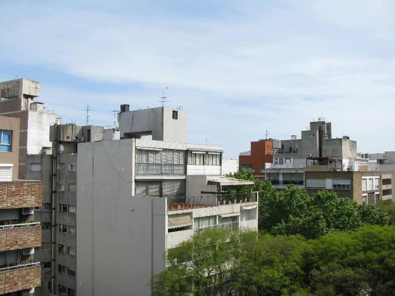 Foto Apartamento en Venta en  Pocitos ,  Montevideo  BERRO 1100
