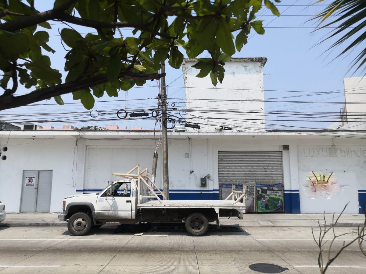 Foto Local en Renta en  Jardines de Virginia,  Boca del Río  RENTA LOCAL COMERCIAL EXCELENTE UBICACION