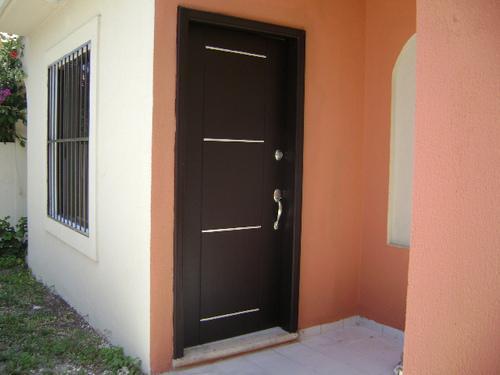 Foto Casa en Venta en  Cancún Centro,  Cancún  VENDO CASA EN RESIDENCIAL NOGAL FRENTE AL PARQUE