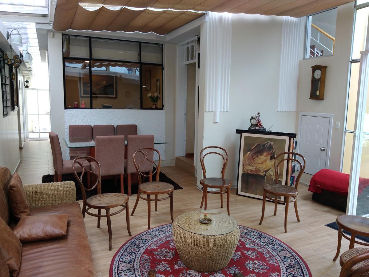 Foto Casa en Venta en  Centro de Quito,  Quito  Rio de Janeriro y  Canada
