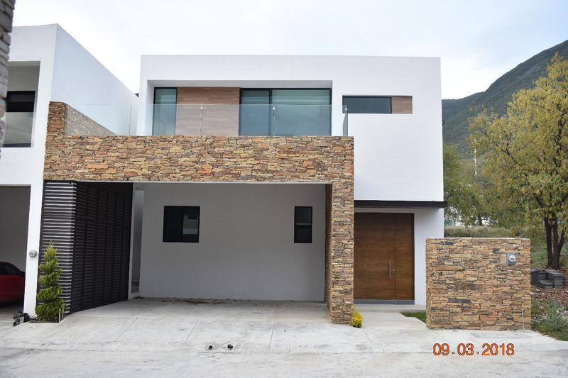 Foto Casa en Venta    en  Fraccionamiento Catujanes,  Monterrey  CASA NUEVA EN VENTA EN FRACC. CATUJANES-CARRETERA NACIONAL