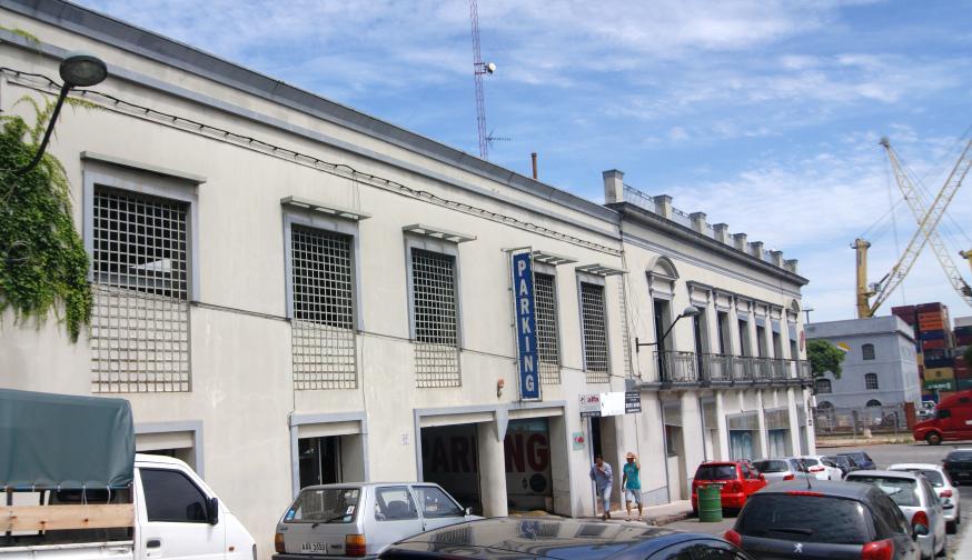 Foto Edificio Comercial en Venta en  Ciudad Vieja ,  Montevideo  Rambla 25 de Agosto al 1500