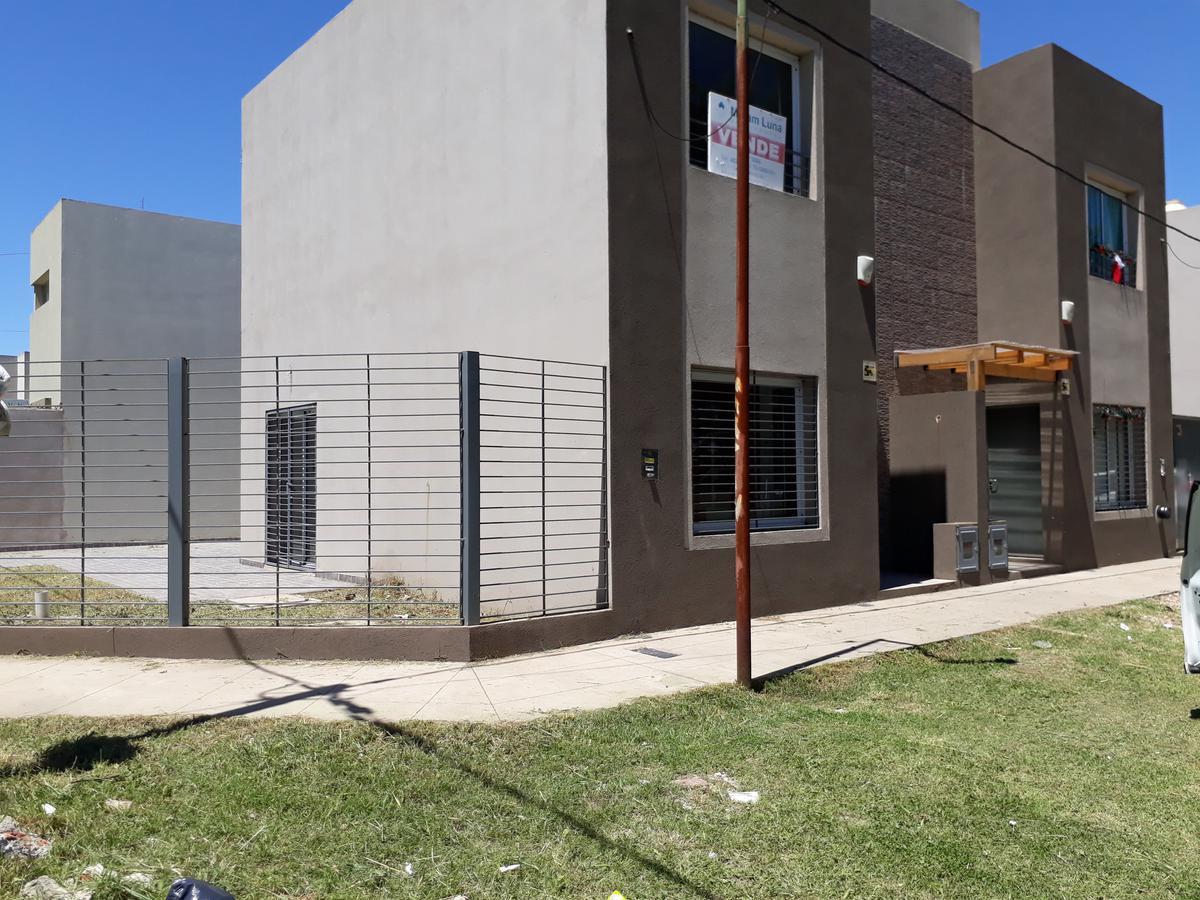 Foto Departamento en Venta en  José Hernández,  La Plata  CALLE 135 y 514