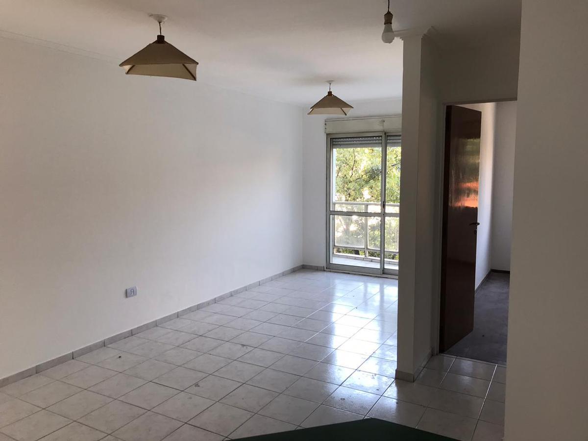 Foto Departamento en Alquiler en  Centro,  Cordoba  Inmejorable Ubicación! - Un dormitorio con Balcón - B° Centro