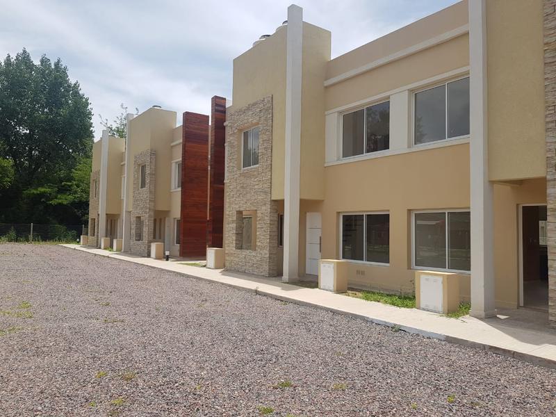 Foto Casa en Venta en  Muñiz,  San Miguel  Duplex dos dormitorios San Miguel