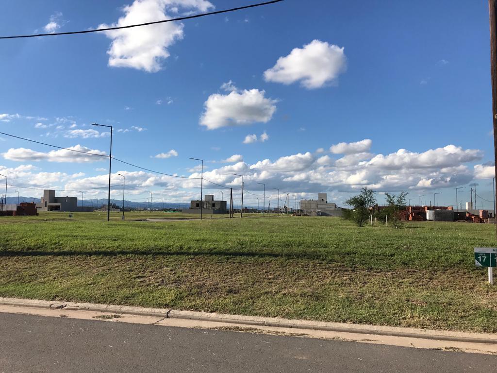 Foto Terreno en Venta en  Prados de Manantiales,  Cordoba Capital  Solares de Manantiales - M50 L17