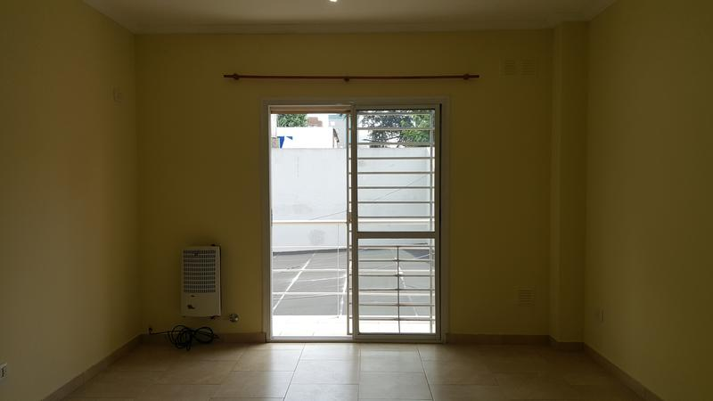 Foto Departamento en Venta en  Moron Sur,  Moron  Carlos Pellegrini 925. Piso 1° C. Moron