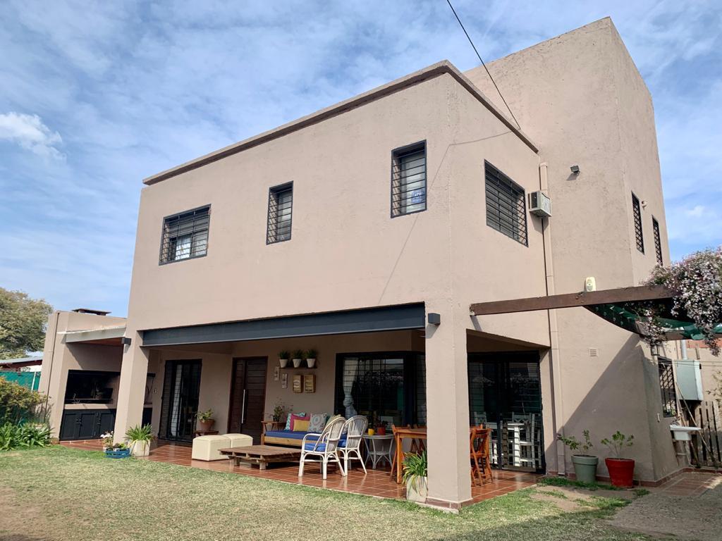 Foto Casa en Venta en  Nuevo URCA,  Countries/B.Cerrado (Cordoba)  Casa en Venta de 3 Dormitorios en B° Nuevo Urca. Con Escritura. Zona Norte