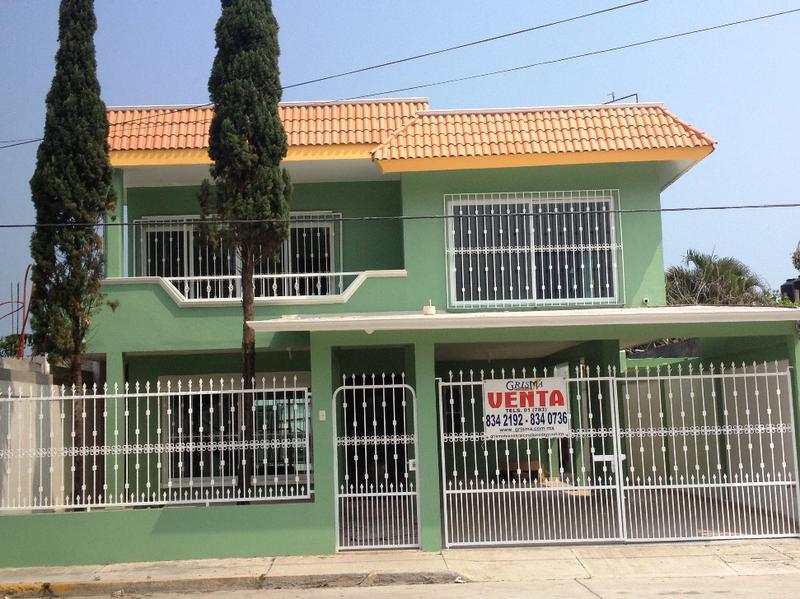 Foto Casa en Venta |  en  Adolfo Ruiz Cortines,  Tuxpan  CASA TOTALMENTE  REMODELADA EN COL. RUIZ CORTINES