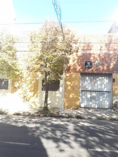 Foto Galpón en Venta en  Avellaneda,  Avellaneda  Zeballos Al  1000