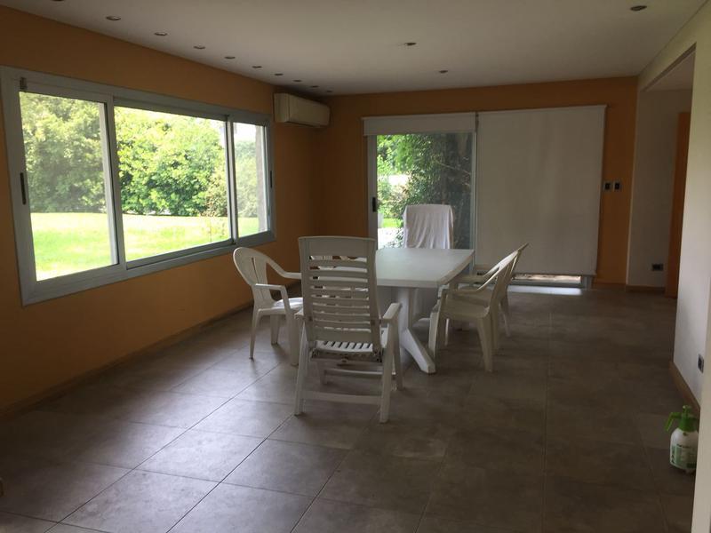 Foto Casa en Alquiler en  Barrio Parque Leloir,  Ituzaingo  Del Facon