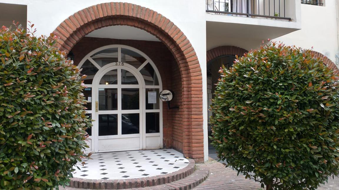 Foto Departamento en Alquiler en  Quilmes,  Quilmes  Brown al 300