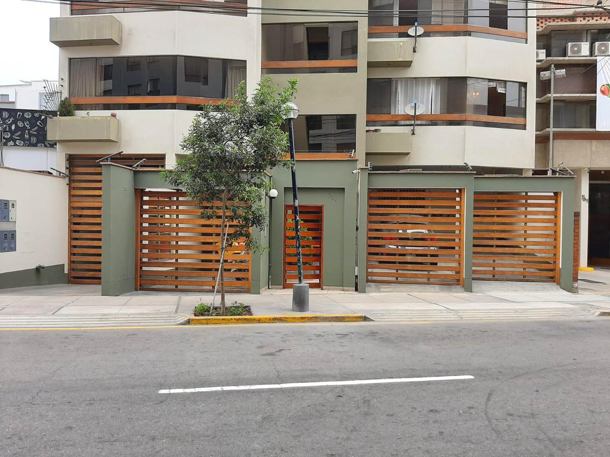 Foto Departamento en Venta en  Miraflores,  Lima  Calle Alcanfore