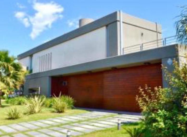 Foto Casa en Venta en  Miraflores (Funes Hills),  Funes  Barrio Cerrado Funes Hills Miraflores