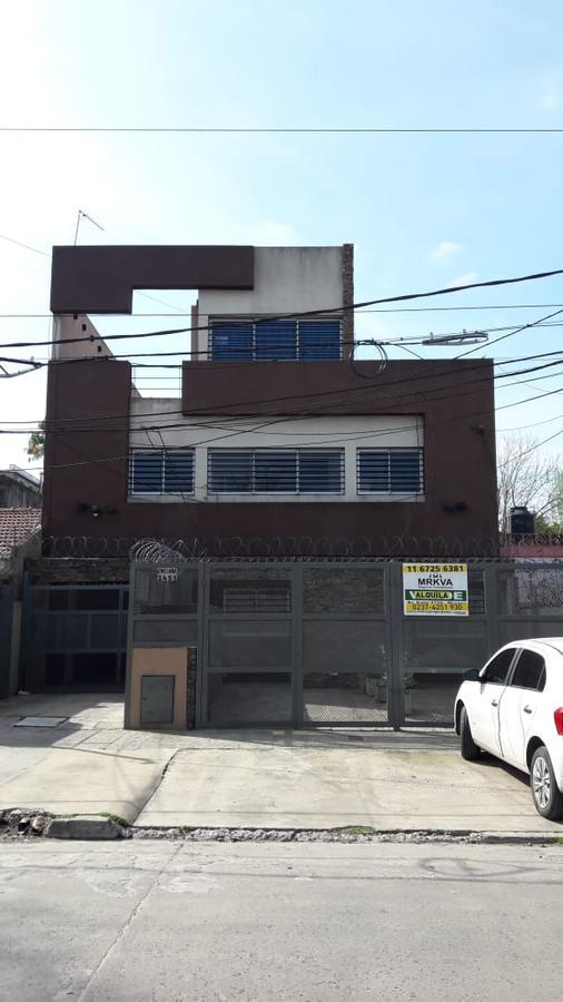 Foto Departamento en Venta en  Centro (Moreno),  Moreno  Alquila 3 ambientes con cochera