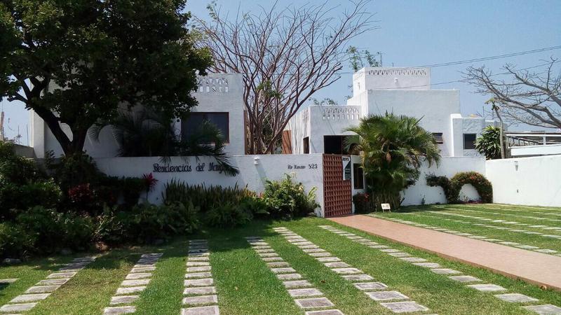 Foto Casa en Venta en  Ricardo Flores Magón,  Boca del Río  COL.FLORES MAGON, Casa en VENTA con alberca, RESIDENCIAS DEL MANGLAR