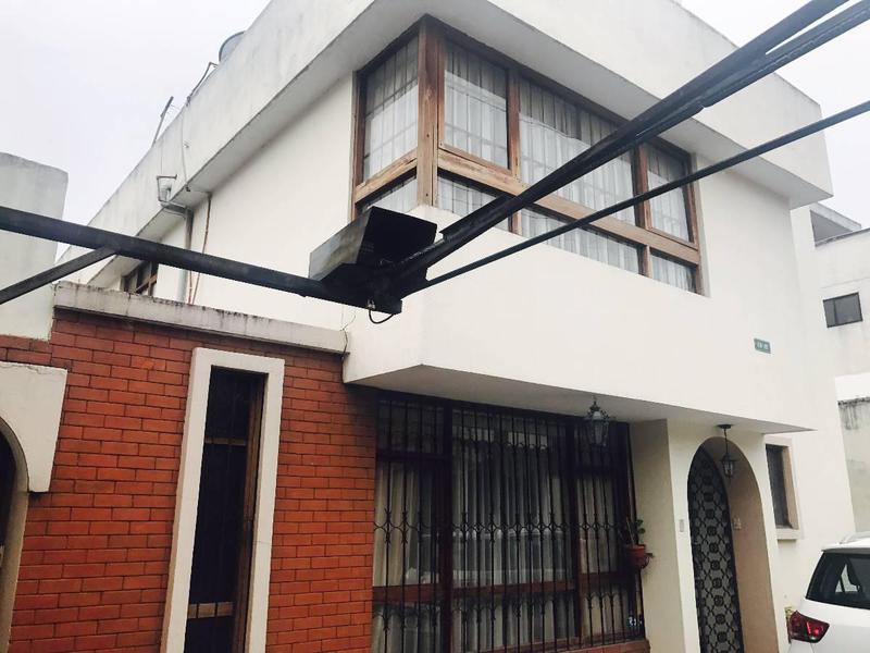 Foto Casa en Venta en  El Inca,  Quito  Las Palmeras