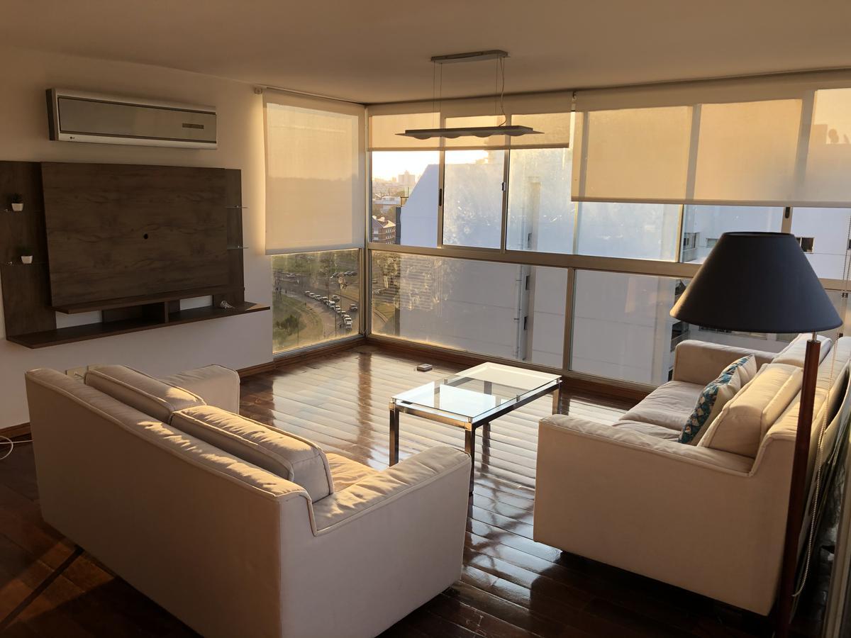 Foto Apartamento en Alquiler en  Puerto Buceo ,  Montevideo  Nicolás Piaggio