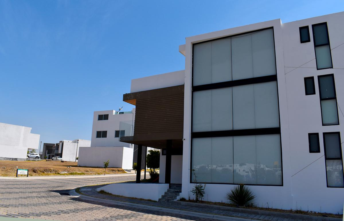 Foto Casa en Venta en  Fraccionamiento Lomas de  Angelópolis,  San Andrés Cholula  CASA EN VENTA LOMAS DE ANGELOPOLIS 2 DE 3 PISOS CON 278m2 DE CONSTRUCCION