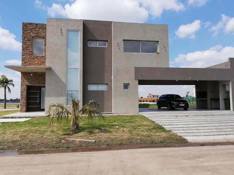 Foto Casa en Venta en  Lagos de Canning,  Countries/B.Cerrado (E. Echeverría)  Casa en Lagos de Canning