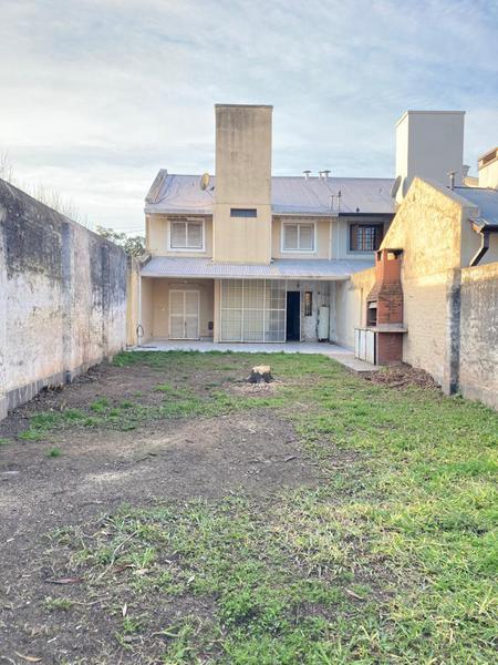 Foto Casa en Venta en  San Miguel De Tucumán,  Capital  Pasaje Raul Galán 3980