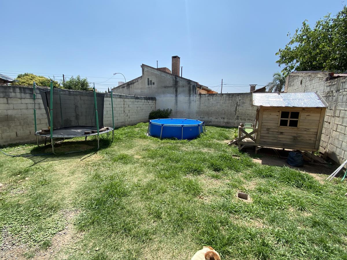 Foto Casa en Venta en  Manantiales ,  Cordoba Capital  Ambrosio Taravella  7081 - Casi esq. Magdalena de Arias