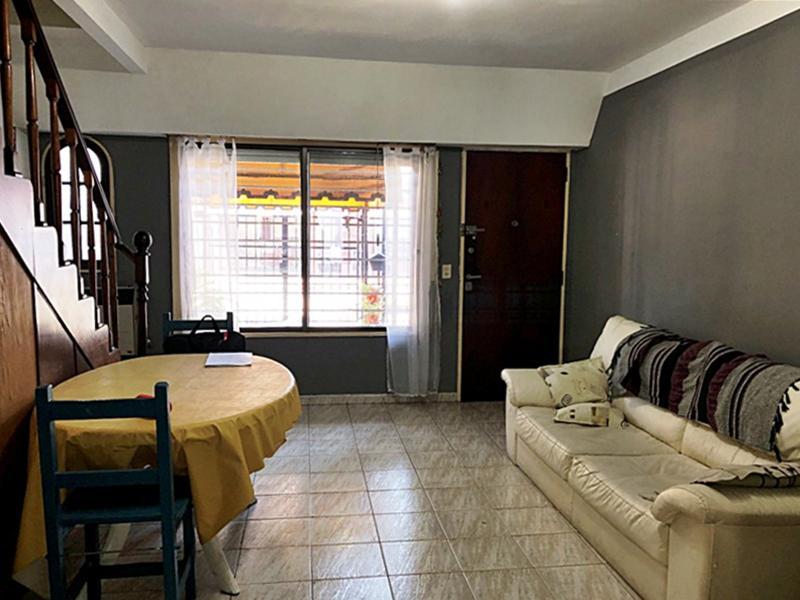 Foto Casa en Venta en  Carapachay,  Vicente Lopez  Navarro al 5700