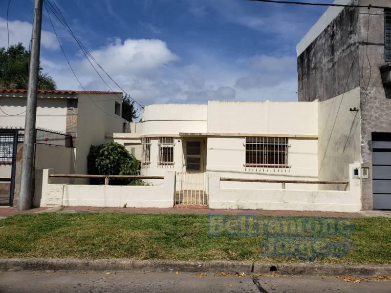 Foto Casa en Venta en  La Florida,  Rosario  Matheu al 900