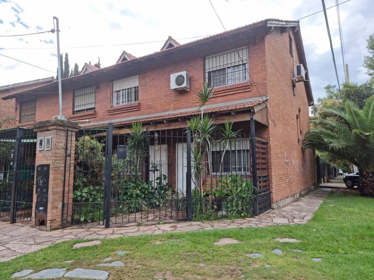 Foto Casa en Venta en  Don Torcuato,  Tigre  Lisandro de la Torre al 2900 - Duplex