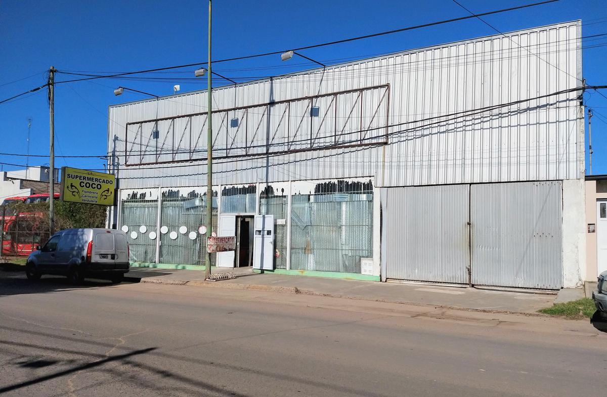 Foto Local en Venta | Alquiler en  Gualeguaychu,  Gualeguaychu  Primera Junta al 800