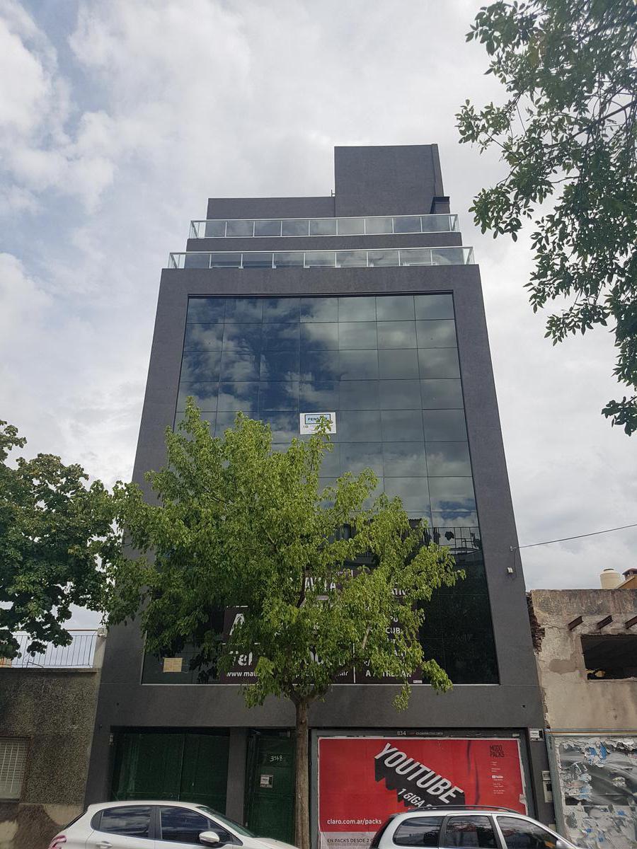 Foto Oficina en Alquiler en  Parque Patricios ,  Capital Federal  Achala al 3500