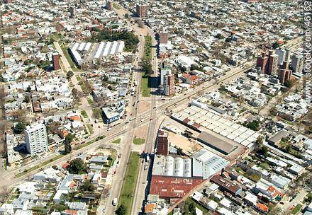 Foto Terreno en Venta en  La Blanqueada ,  Montevideo  Terreno sobre Batlle y Ordóñez ideal para Proyecto VIS