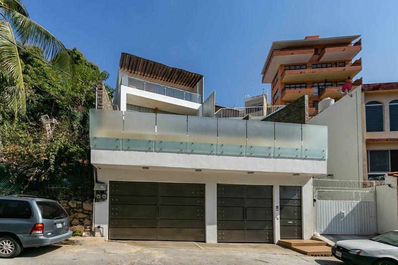 Foto Casa en Venta en  Victoria ,  Tamaulipas  CASA SOLA EN VENTA EN FRACC. LAS PLAYAS