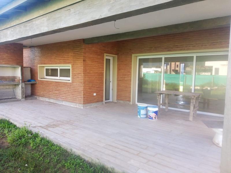 Foto Casa en Venta en  Yerba Buena ,  Tucumán  Country Veraterra