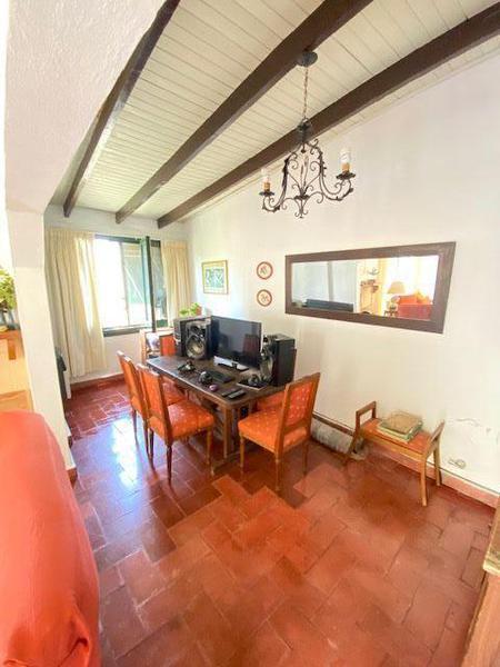 Foto Casa en Venta en  Manuel B Gonnet,  La Plata  28 Esquina 493
