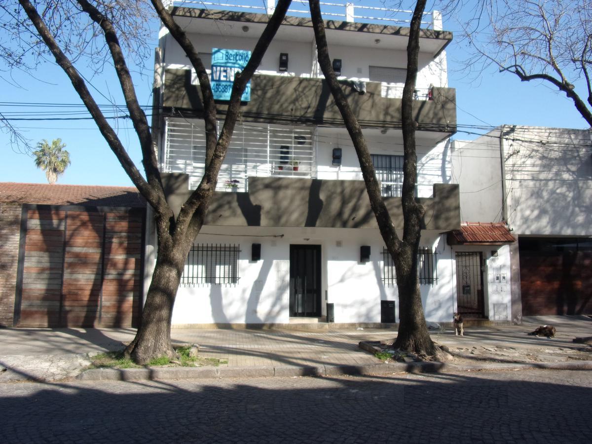 Foto Departamento en Alquiler en  República de la Sexta,  Rosario  CHACABUCO 1734