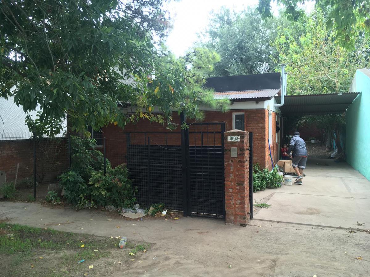 Foto Casa en Alquiler en  Rosario ,  Santa Fe  JORGE NEWBERY al 8100