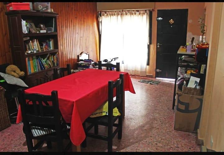Foto Casa en Venta en  Esc.-Centro,  Belen De Escobar  Hipólito Yrigoyen 120