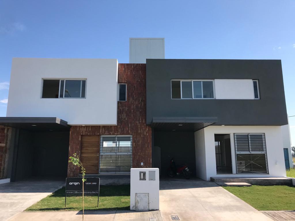 Foto Casa en Venta en  Prados de Manantiales,  Cordoba Capital  Prados de Manantiales