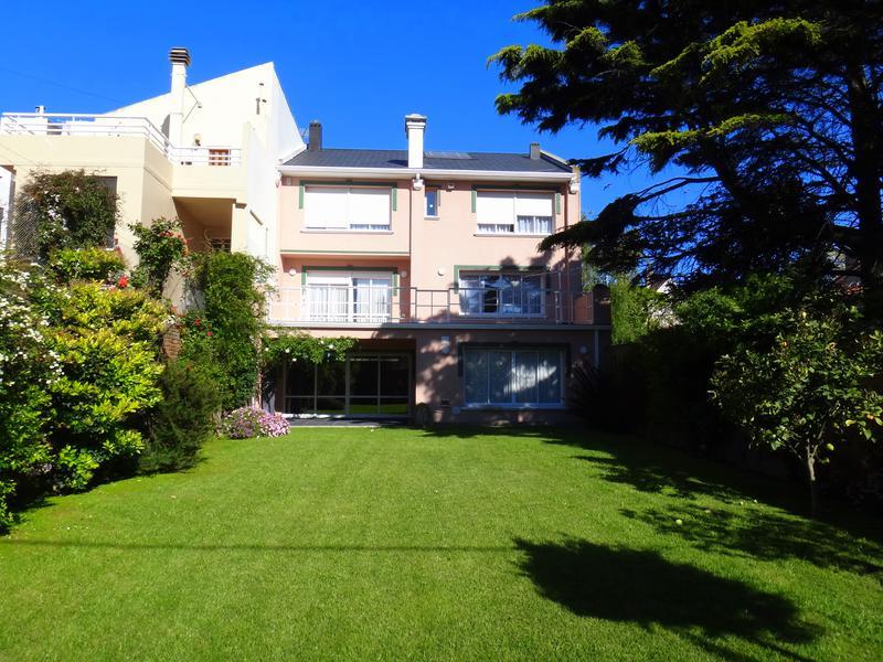 Foto Casa en Venta en  Stella Maris,  Mar Del Plata  Alvear y Falucho