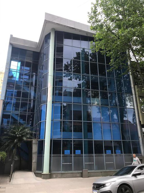 Foto Edificio Comercial en Alquiler en  Lomas de Zamora Oeste,  Lomas De Zamora  Alem al 200