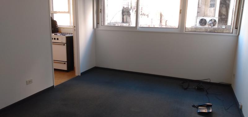 Foto Departamento en Alquiler en  Retiro,  Centro (Capital Federal)  Esmeralda al 800