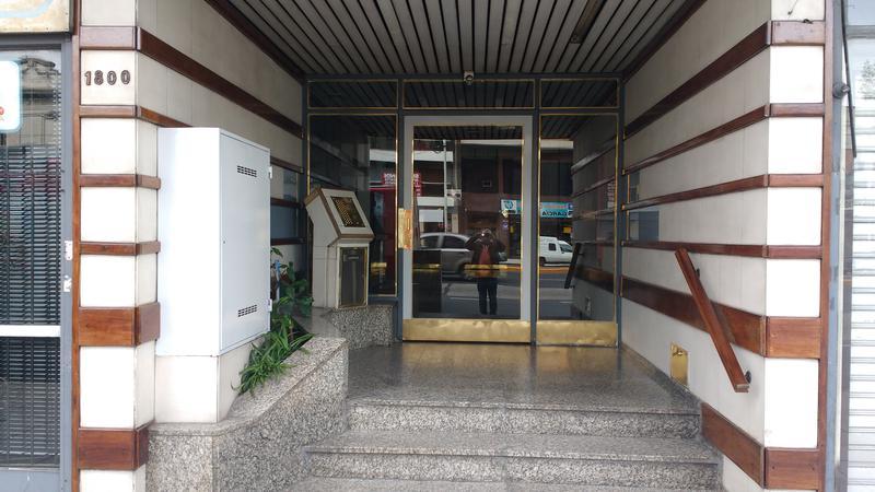 Foto Departamento en Venta en  Avellaneda,  Avellaneda  AV. MITRE 1800