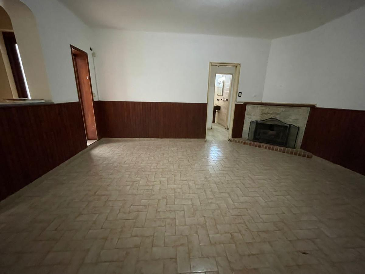 Foto Casa en Venta en  Junin,  Junin  CASA + LOCAL Belgrano 145