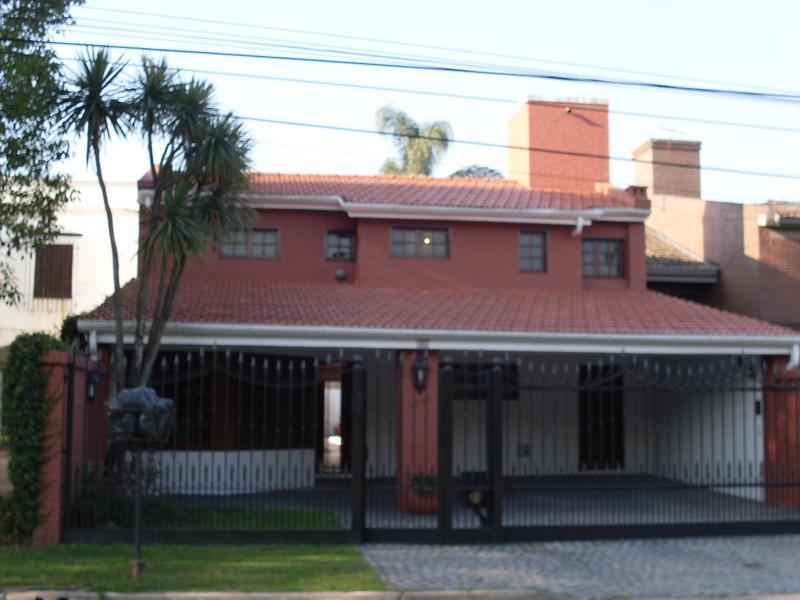 Foto Casa en Venta en  San Miguel De Tucumán,  Capital  Crisostomo Alvarez al 4600